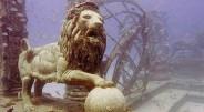 """Kapinės """"Neptune Memorial Reef"""" būtų visai įprastos – su vartais, keliukais ir netgi suoliukais pasėdėjimui – jei ne viena smulkmena. […]"""