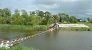 Valstybinė komisija ketvirtadienį turėjo priimti suremontuotą pėsčiųjų tiltą per Pakalnės upę Rusnės saloje, tačiau atliekant stiprumo bandymą jis triukšmingai sugriuvo […]
