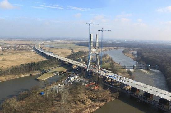 Tiltas per Odros upę (Lenkija)