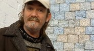 Bedarbis airių dailininkas Frenkas Baklis pasistatė namą iš utilizuotų eurų banknotų. Kaip skelbiama, bendras eurų kiekis sunaudotas statyboms sudaro 1,4 […]