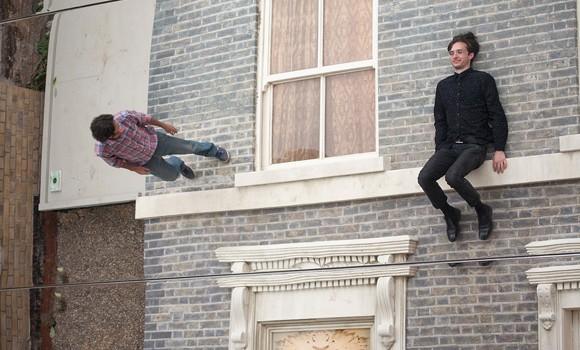 Atrodo, jog gravitacijos jėga aplenkė šį namą, kuris randasi Dalstone, rytų Londone. Žmonės gali sėkmingai kopti namo siena, atsisėsti ant […]