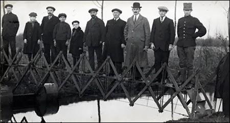 Išsitiesiantis tiltas (1926)