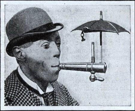 Specialus įranginys skirtas rūkyti per lietų (1931)