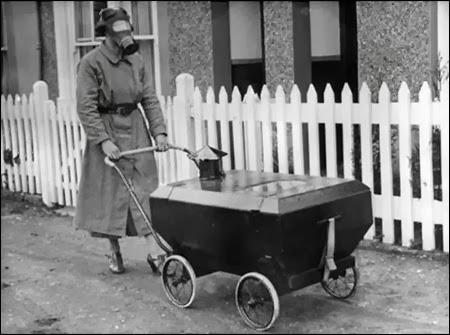 Vaikiškas vežimėlis skirtas apsaugoti nuo galimų dujų atakų (1938)