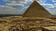 Didžiausia pasaulyje piramidė dar žinoma Cheopso piramidės vardu, stovi Egipte šalia kitų piramidžių. Nors ši piramidė buvo pastatyta maždaug 2650−2500 […]