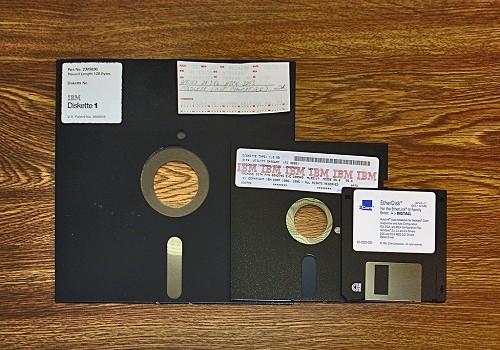 Neseniai kompanija Sony paskelbė nutraukianti Betamax formato kasečių gamybą. Daugelis nustebo, kad šios kasetės kam nors buvo reikalingos. Kaip bebūtų, […]